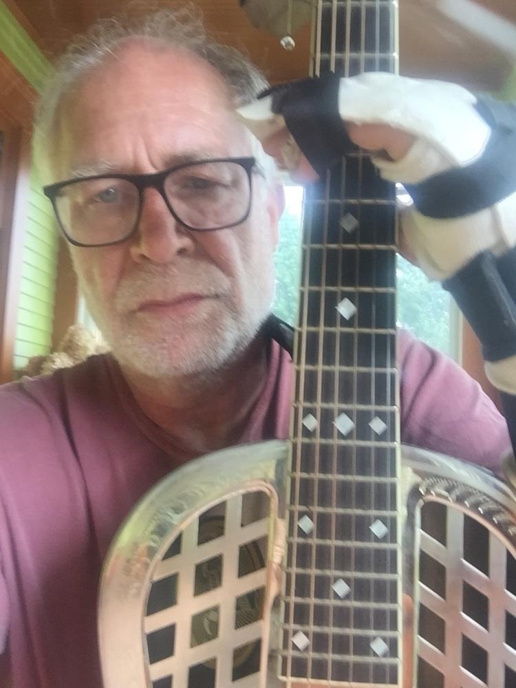 handed guitar sounding - mrdevans   ello