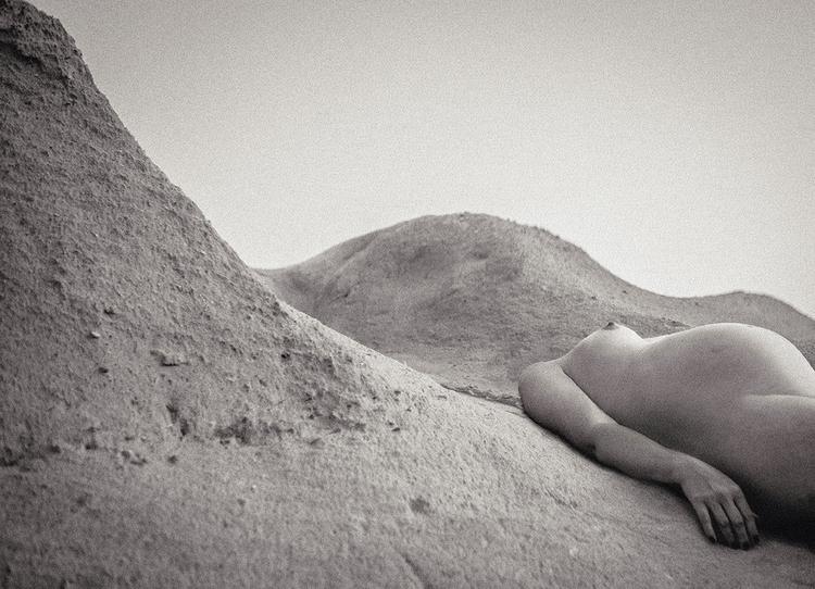 """Waves"" — Photographer:Katarí - darkbeautymag   ello"