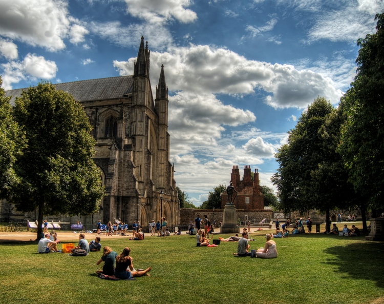 Winchester Cathedral - grounds  - neilhoward | ello