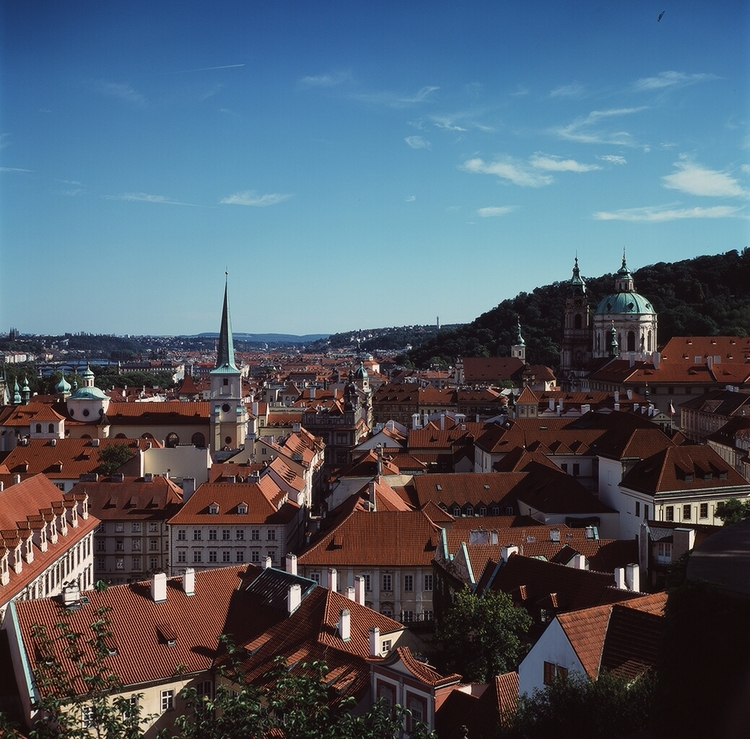 Prague Medium Format. 6x6 - film. - mejiasphotographer | ello