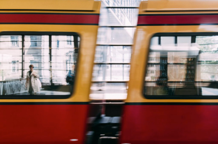 :arrow_forward:︎ Hallo, Berlin - mobilshots | ello