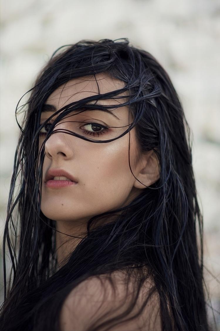 Sophie / Marée noire 2015 - photography - thomassilvent | ello
