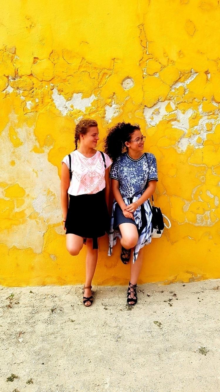 color, yellow - doudz16 | ello