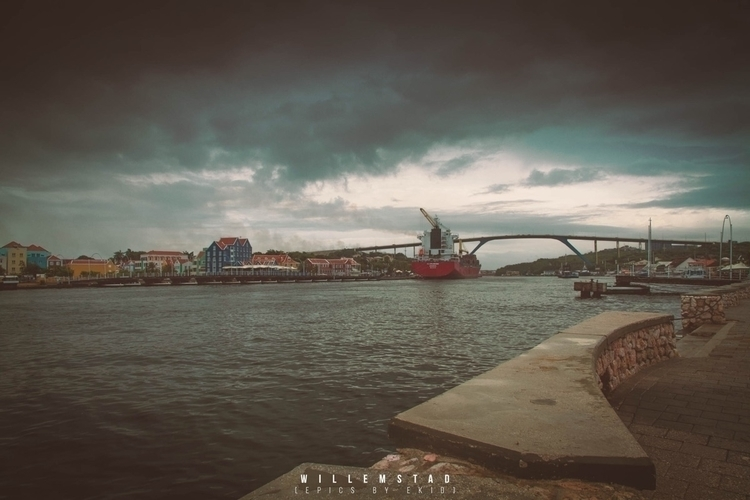 sun day - curacao, willemstad, harbour - ekid | ello