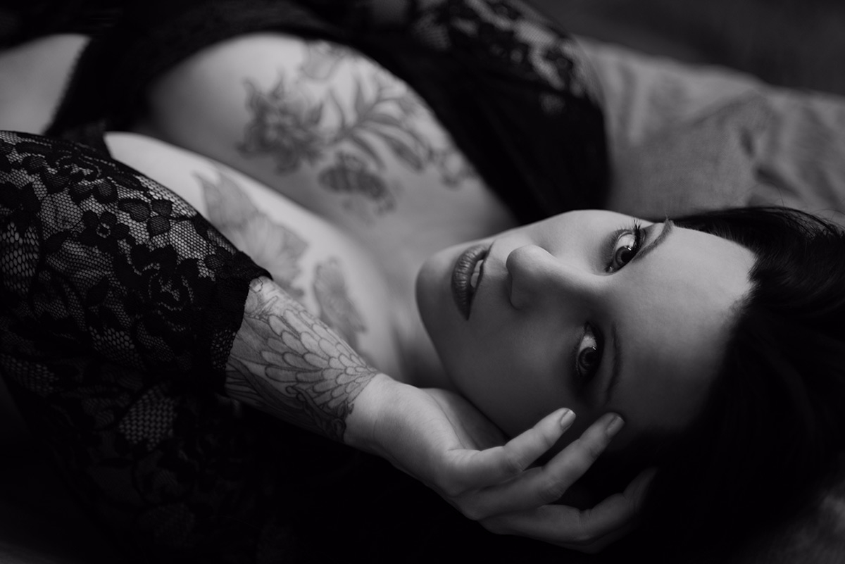 Photographer:Anna Logue Model - darkbeautymag | ello