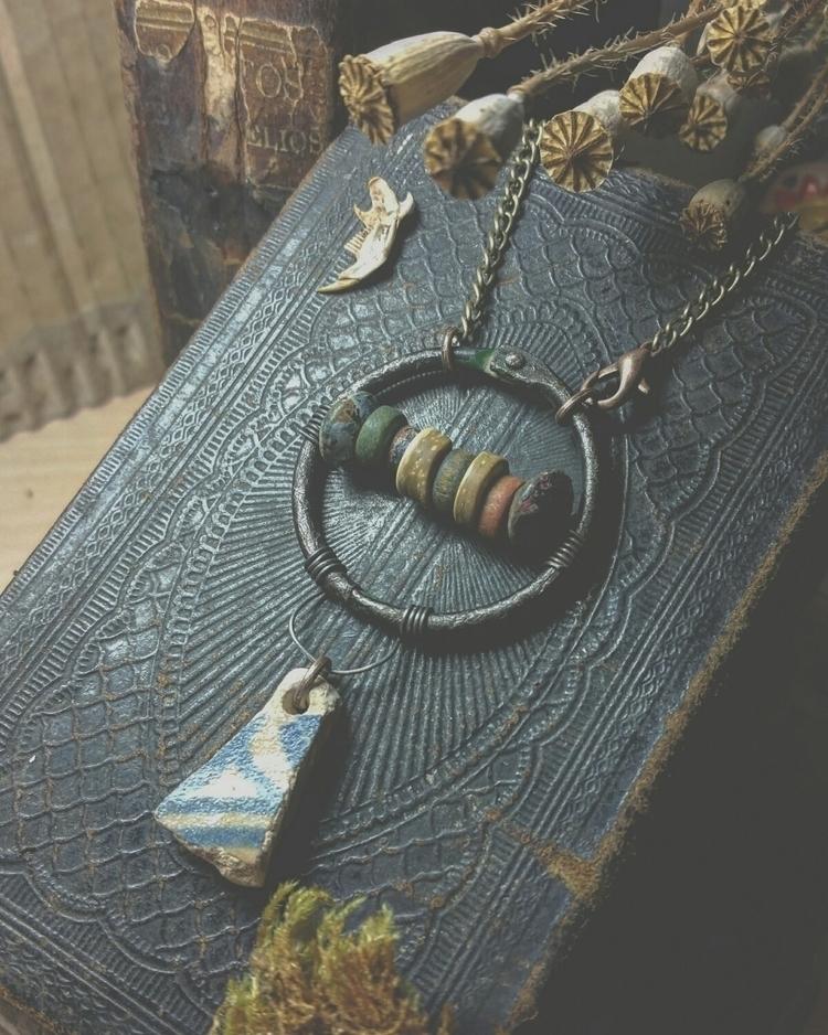 :diamonds:Ancient theophanies h - kalabruixa | ello