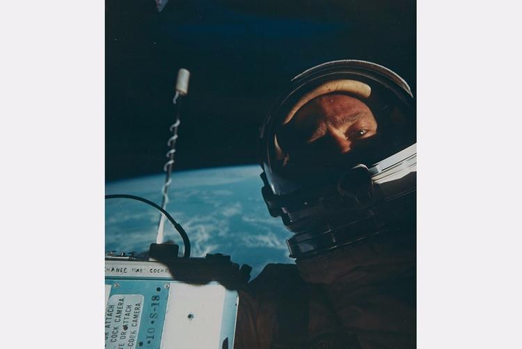 Buzz Aldrin, space, Gemini 12,  - bintphotobooks | ello