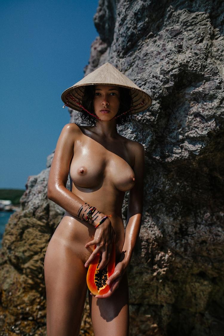 brunette, tits, hat, naked, nude - ukimalefu | ello