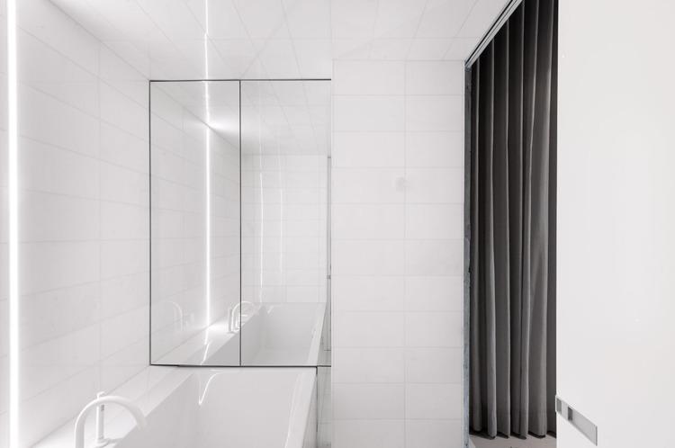 Design: Jean Verville Maxime Br - minimalist   ello
