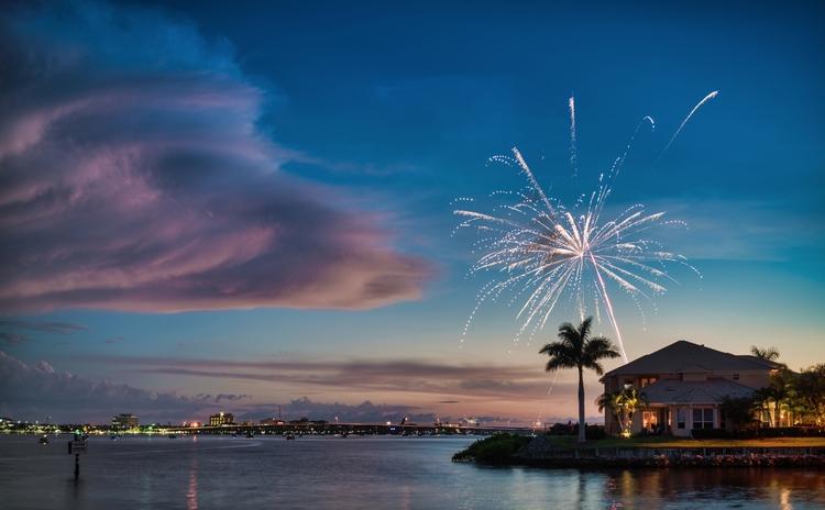 Private Fireworks chaos randomn - rickschwartz | ello
