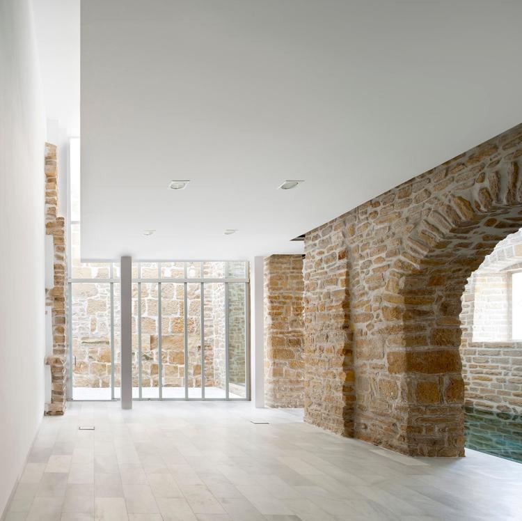 Rehabilitacion antiguas carnice - elloarchitecture | ello