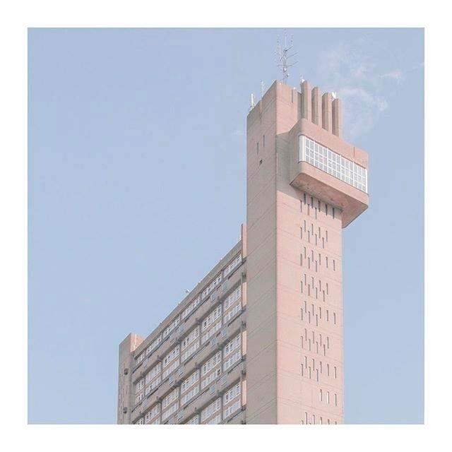 Marietta Vargas - architecture, photography - ostalgia | ello