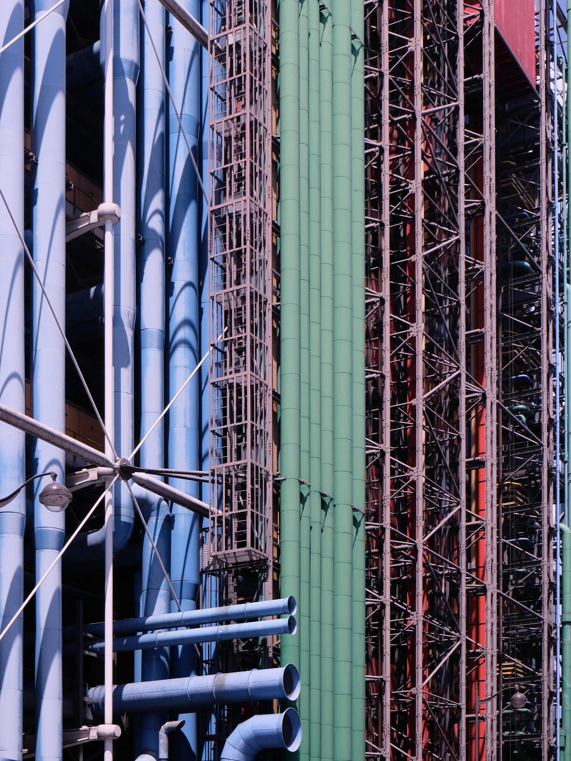 prefer rear facade... Pompidou - danhogman | ello