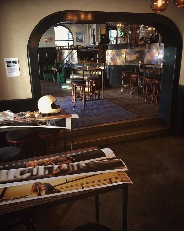 Pop exhibition place test print - maxmoden | ello