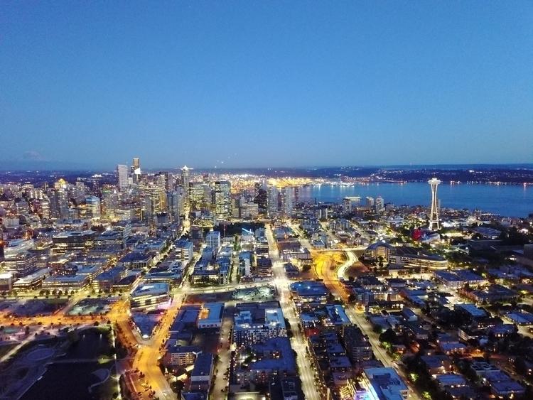 Classic Seattle skyline - rylezhou   ello