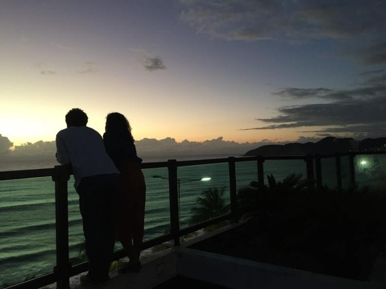 Assistindo nascer sol terraço h - hugomoraes | ello
