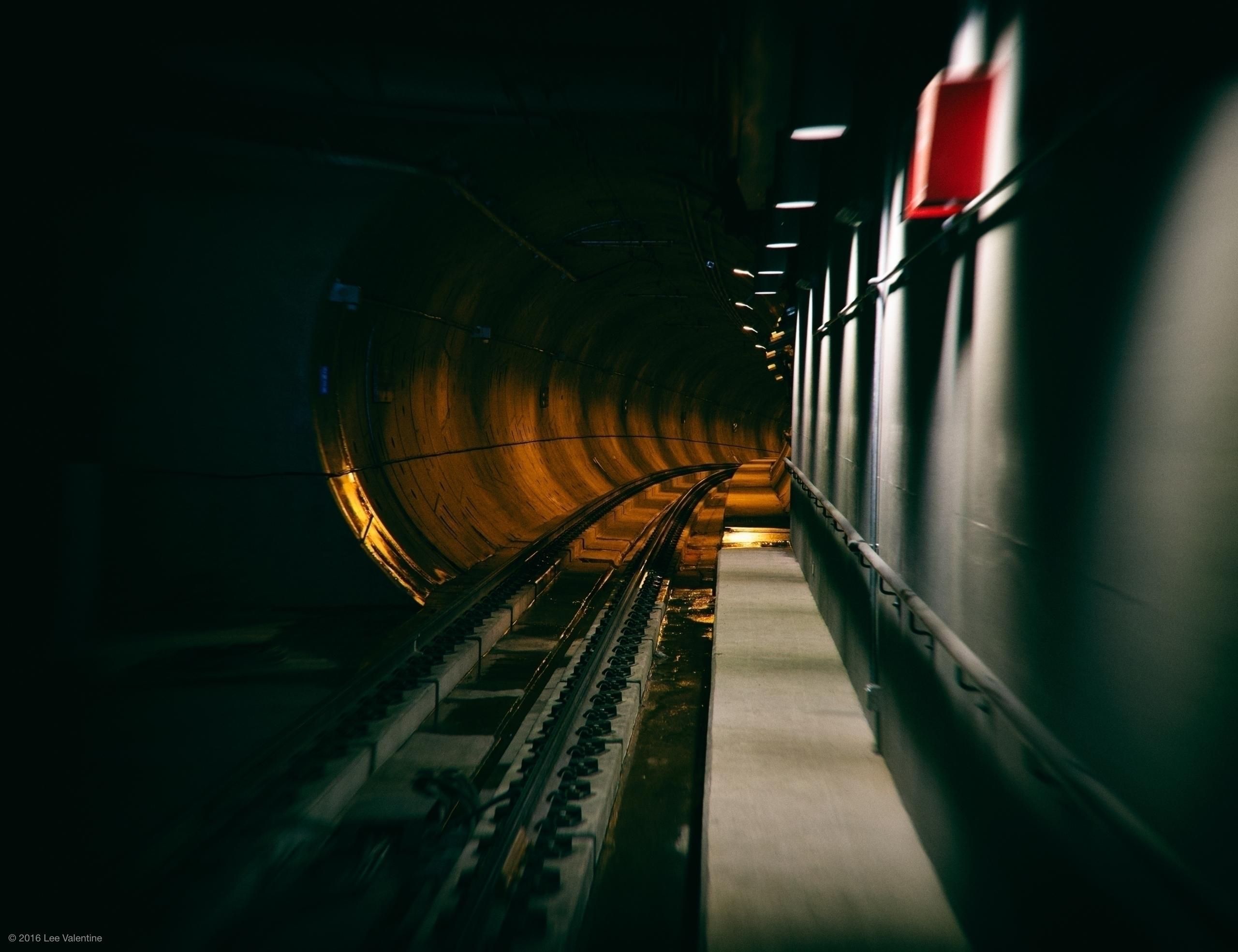 Stop - urban, Tunnel, Lee_Valentine - everythingends   ello