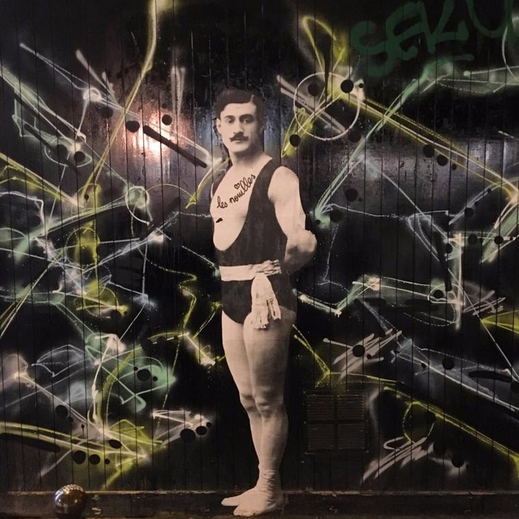 Circus - street, streetart, streetartist - philippefabry   ello