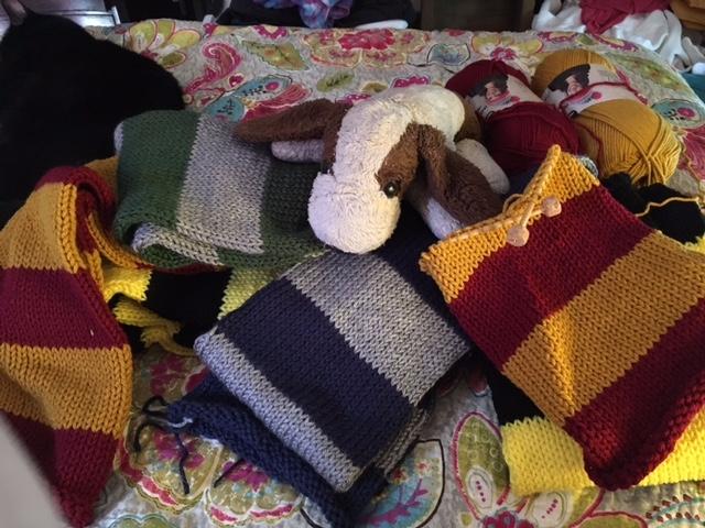 Working Hogwarts House scarf Gr - mephit | ello