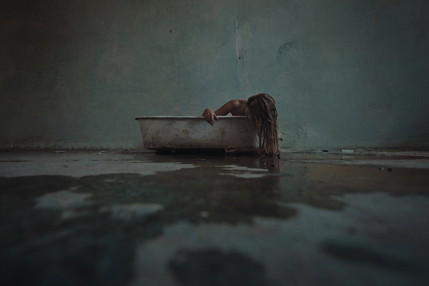 """Bath"" — Photographer: David Sm - darkbeautymag 