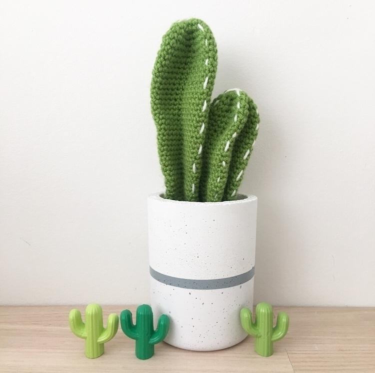 Custom designed concrete plante - soilamore | ello