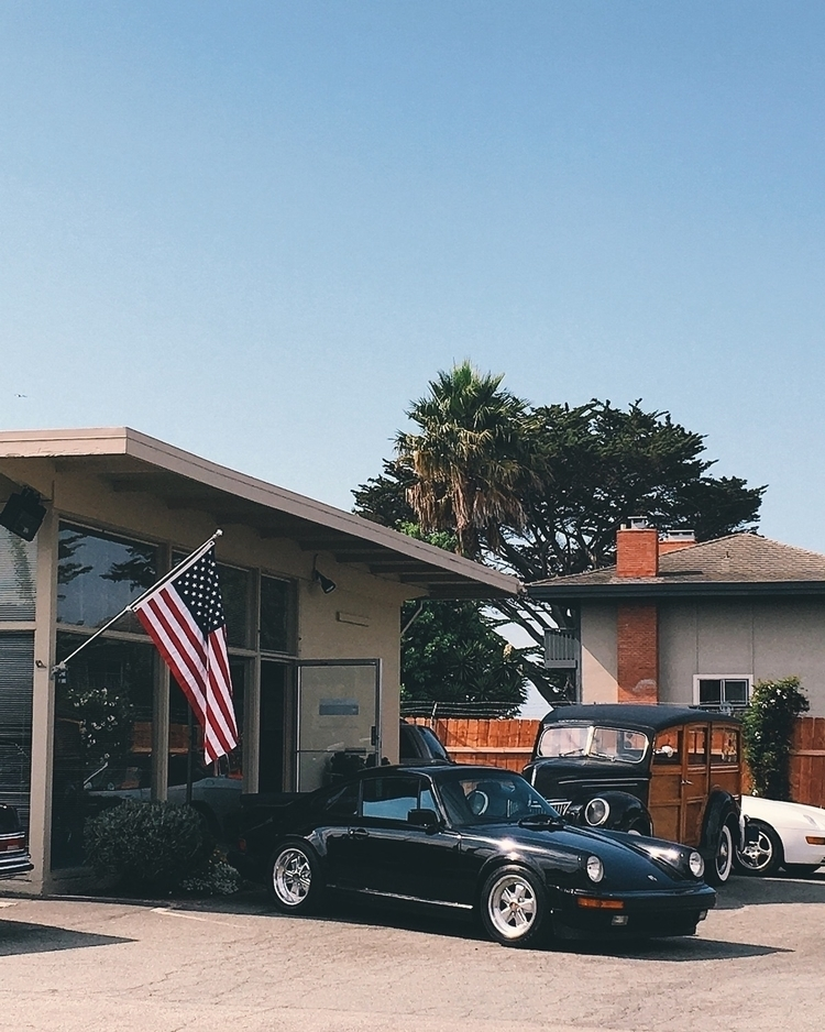 Monterey car week corner - drivetastefully - tramod | ello