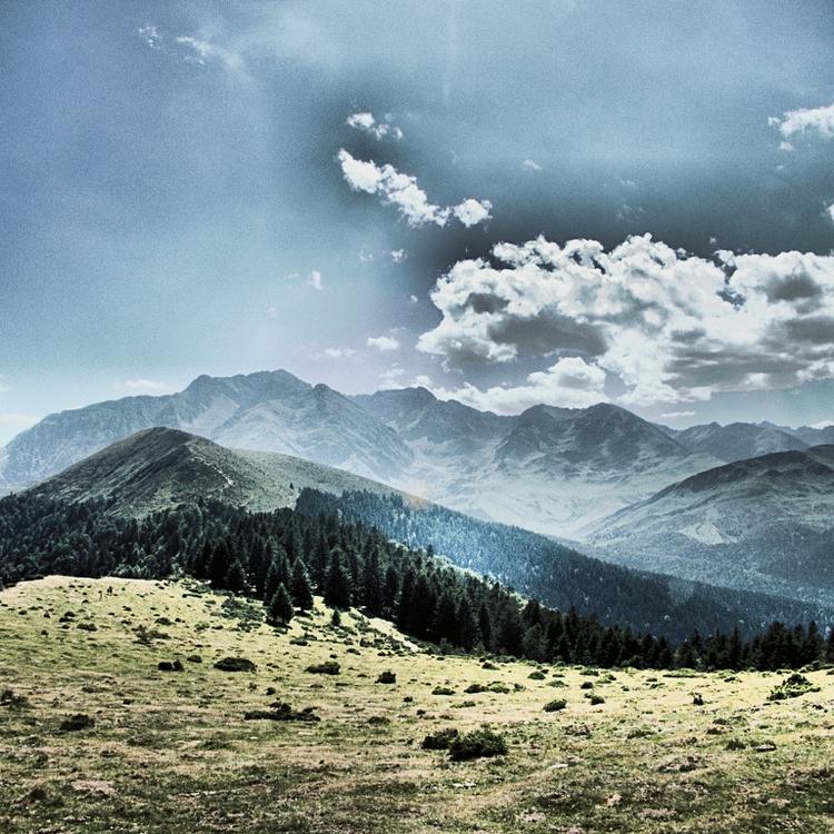 Pyrenaei trek France spanish bo - studio_zamenhof | ello
