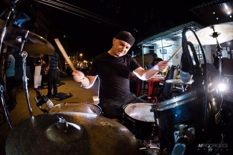 Favela da Maré, Rio de Janeiro  - bateristabigode | ello