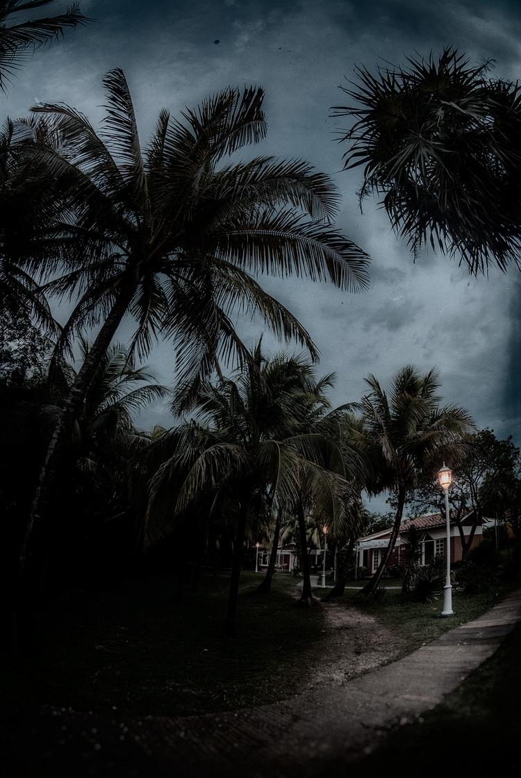 nightfall - Cuba - christofkessemeier   ello