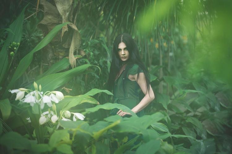 Photographer: Krzysztof Macikow - darkbeautymag | ello