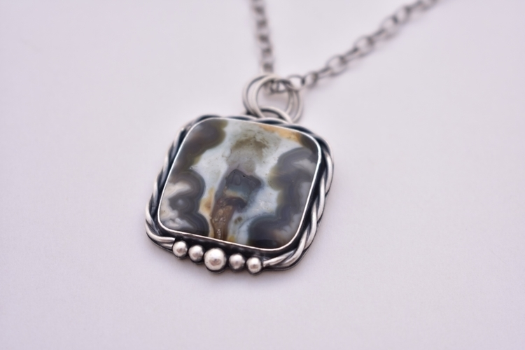 Tahoma Jasper hand-carries side - outboundsilver | ello