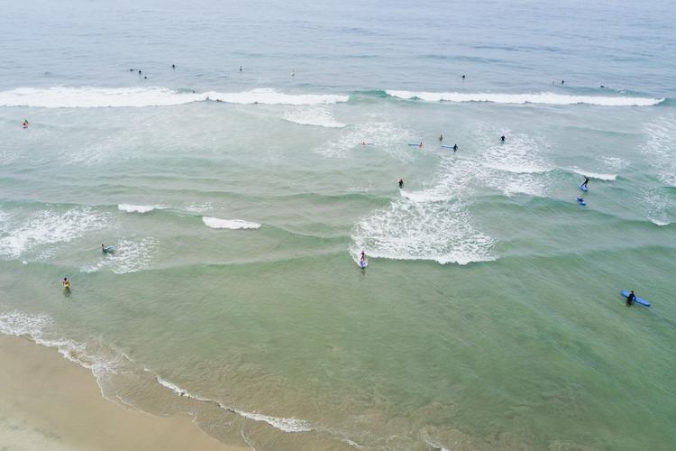 girl learning surf - leahzawadzki | ello