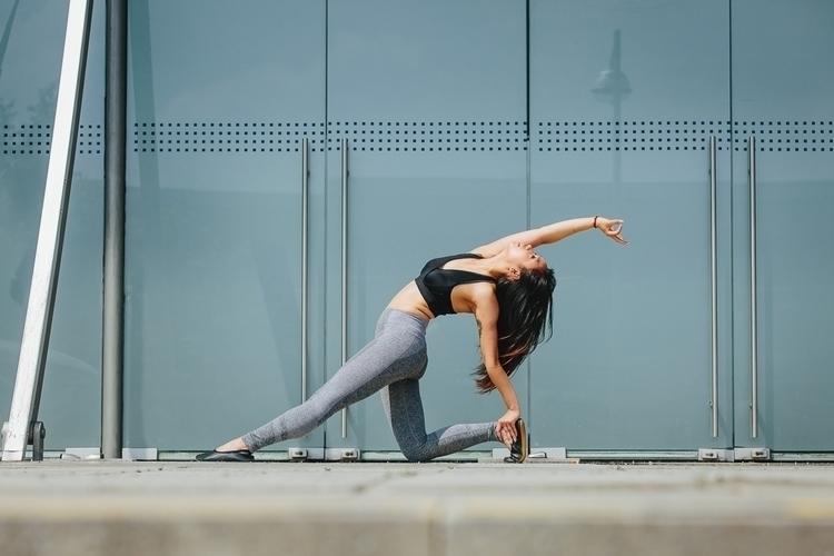 Diem Jolie - yoga - chriswbraunschweiger | ello