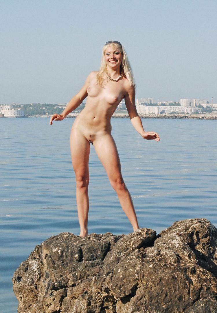 mermaid - nudeinpublic, nudeinnature - sunflower22a | ello