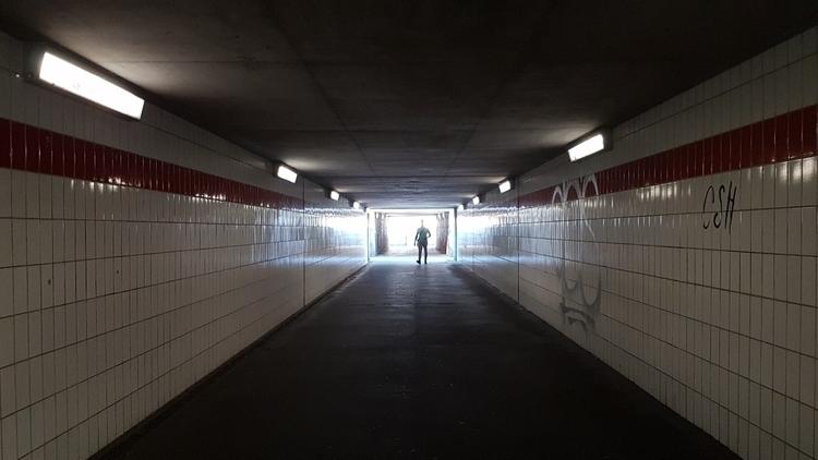 Underpass Hauptbahnhof - Hanau - rowiro | ello