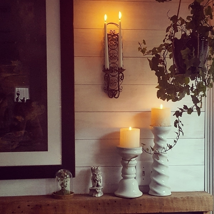 Good Tuesday Candlight intentio - grayvervain | ello