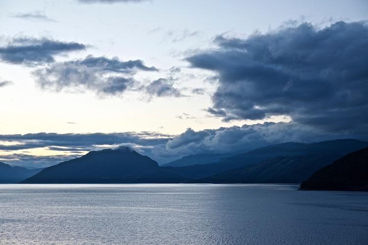 Arrive Norwegian fjord 04.00 mo - faest0 | ello