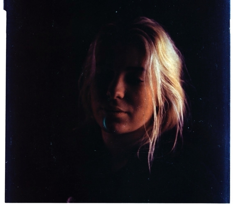 pretty blonde - mediumformat, colour - acid_al | ello