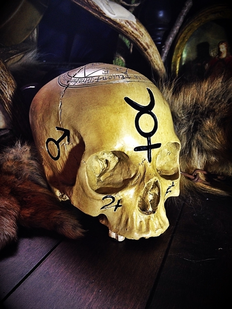 Ritual Altar Skull // Adorned s - thewitch | ello