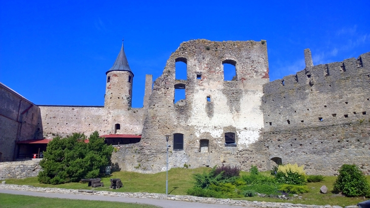 Haapsalu Castle (2017.06.25 - haapsalu - norre01 | ello