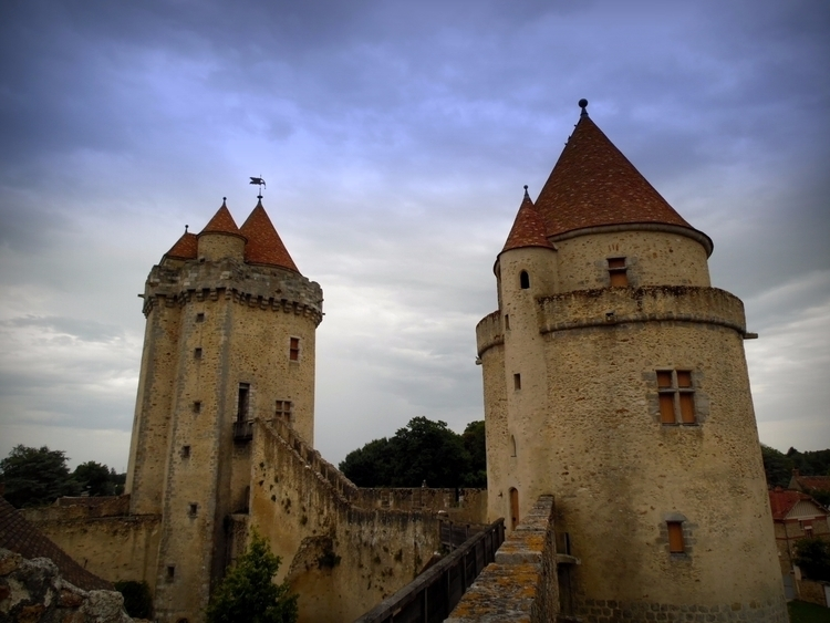Travel, France, Melun, Photography - elizabeth_rose_77 | ello