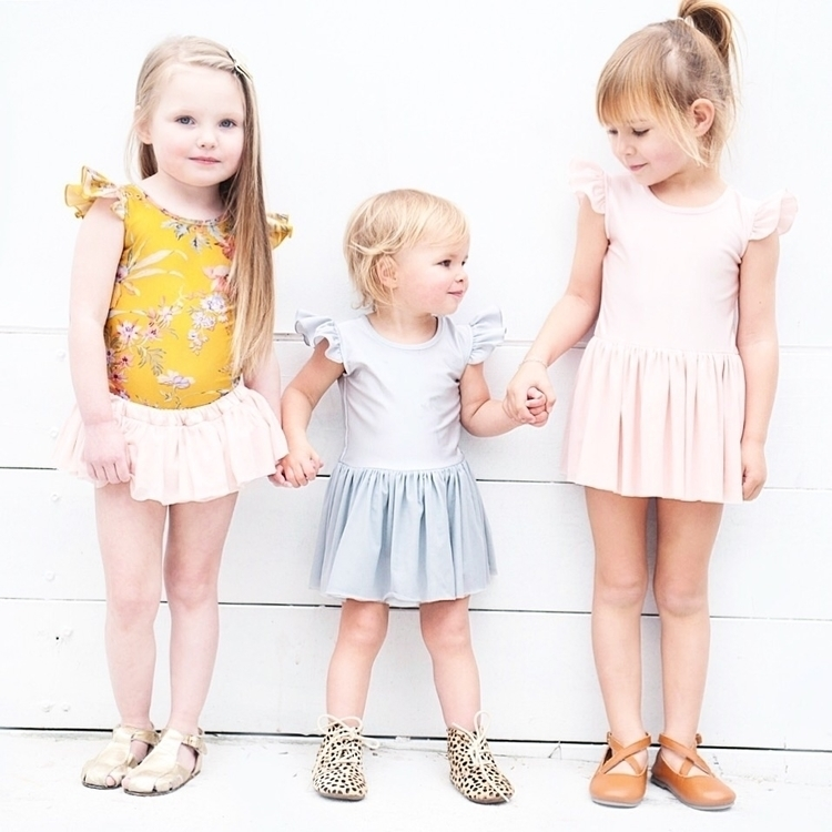Ah girls cutest! Styled Mustard - littleheartsco | ello