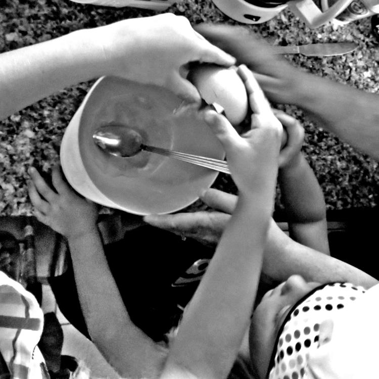hands  - manyhandsmakelightwork - kenlong | ello
