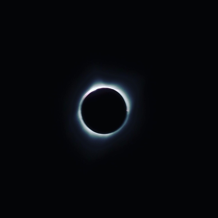 Totality  - solareclipse2017, solareclipse - networkabstracted | ello