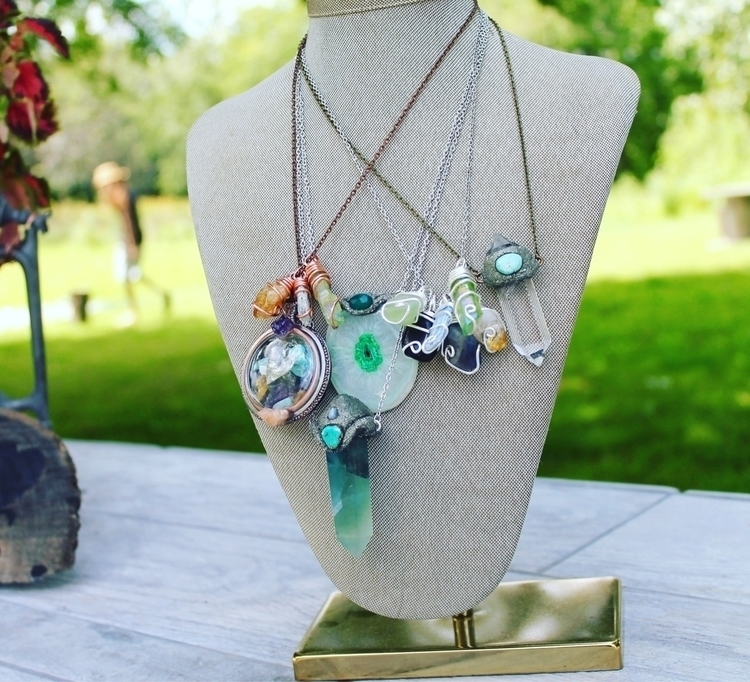 pieces online shop - crystals, festivaljewelry - mermaidtearshawaii | ello