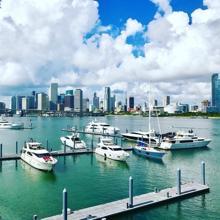 Miami Beach - miami, southbeach - ivan_varela | ello