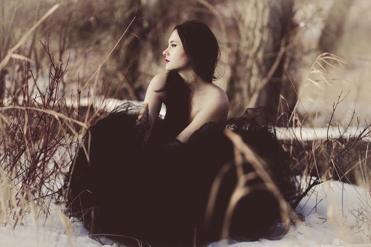 Photographer:LC Portraits Desi - darkbeautymag | ello