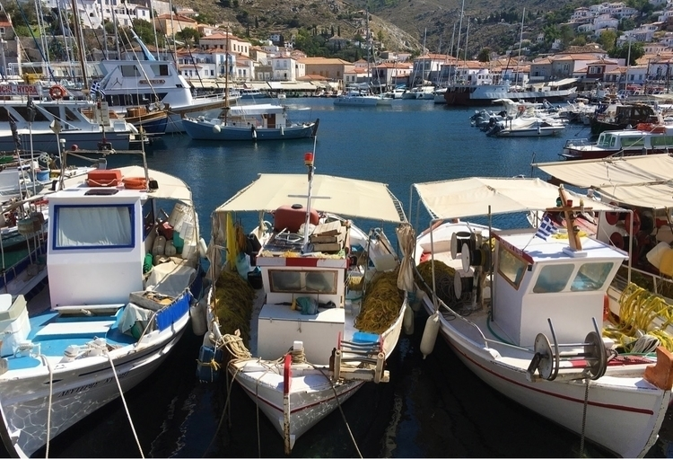 Greece, hydra, boats, fishermen - cs8shoots | ello