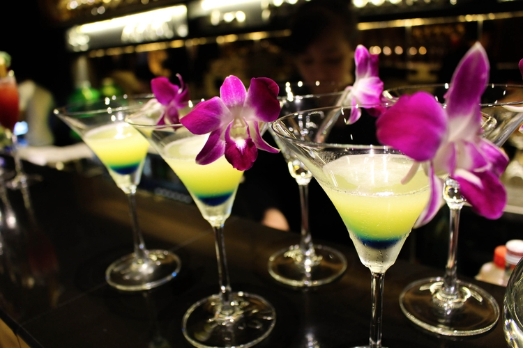 Cocktail Hour - Vietnam, Cocktails - thashack | ello