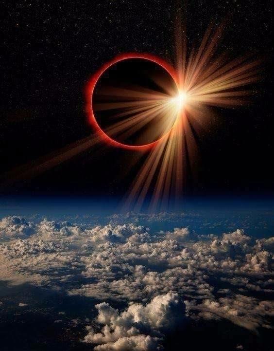 NASA Comandante Chispas - Eclipsephoto - comandantechispas | ello